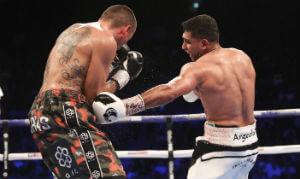 Amir Khan beats Samuel Vergas